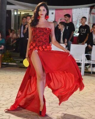 World Top Model ... 🅁🄴🄳... . #redcarpet #fashionphotography #fashionstyle #modaitaliana #couturefashion #concorsiinternazionali #worldtopmodel #beautifulgirls @massimo.orlando.couture @worldtopmodelofficial @tondifiore @the_lookcreators_